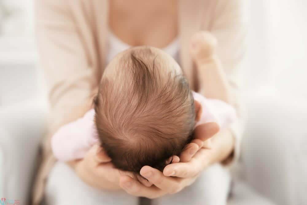 افضل طريقة لتكثيف شعر الرضع
